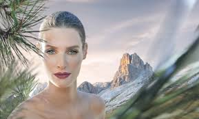 dolomia make up